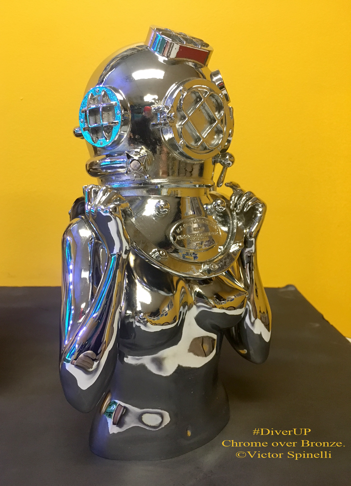 Diver UP-Bronze-Chrome-Lost wax-Victor Spinelli-Emmanuel Fremin Gallery.png