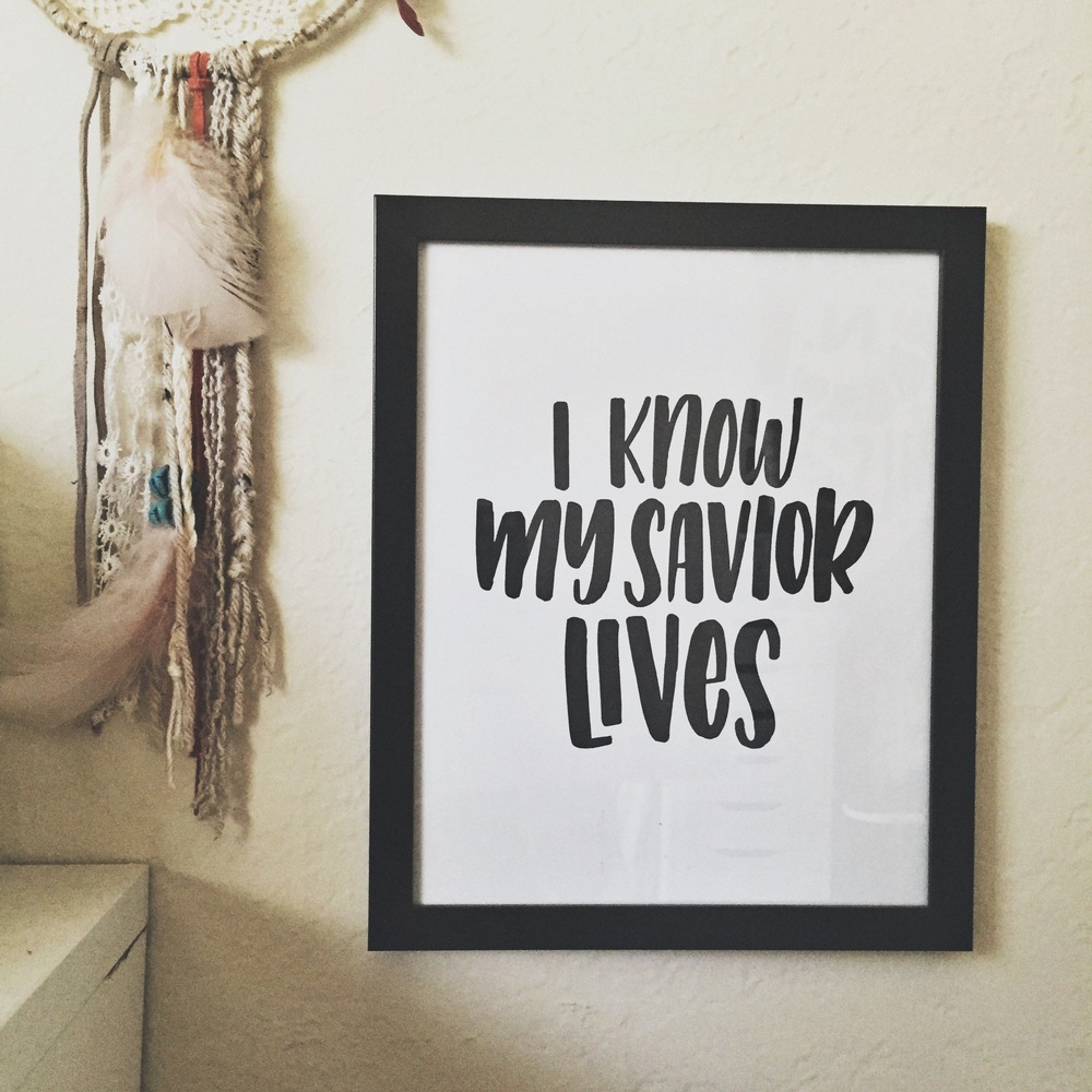 http://www.radandhappy.com/blog/2015/12/6/i-know-my-savior-lives-freebie