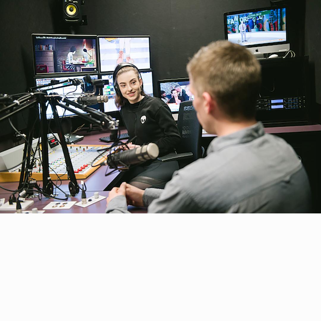 ACU-MEL_2017_FEA_215_radio studio.jpg