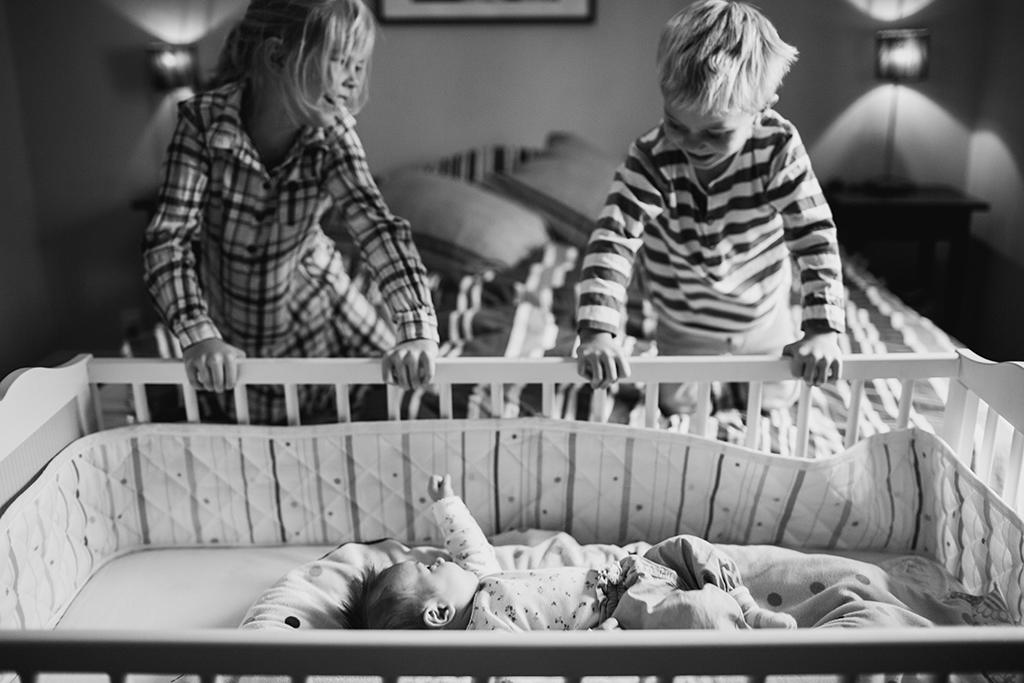Nyfoddfotografering-lifestyle-familjefotograf-Stockholm_6.jpg