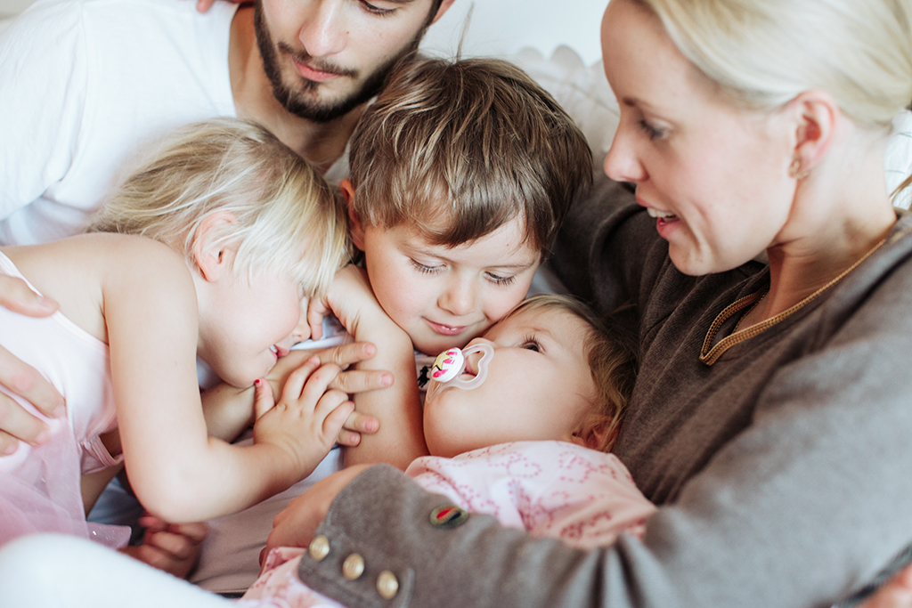 Lifestyle-familjefotograf_Stockholm-Hemma-hos-fotografering-Stockholm_Evelina_Hinds_6.jpg