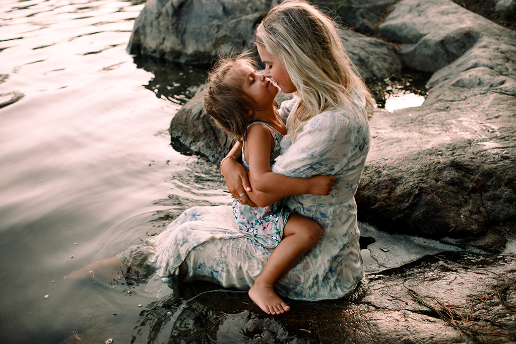 Mammafotografering_Motherhoodsession_Familjefotografering_Stockholm_5.jpg