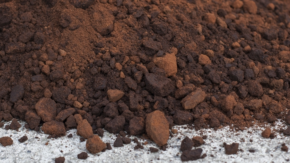 What happens to the coffee waste? - We deliver this nutrient rich waste to community and private gardeners across the city, who will use it for composting, mushroom farming and worm growing.