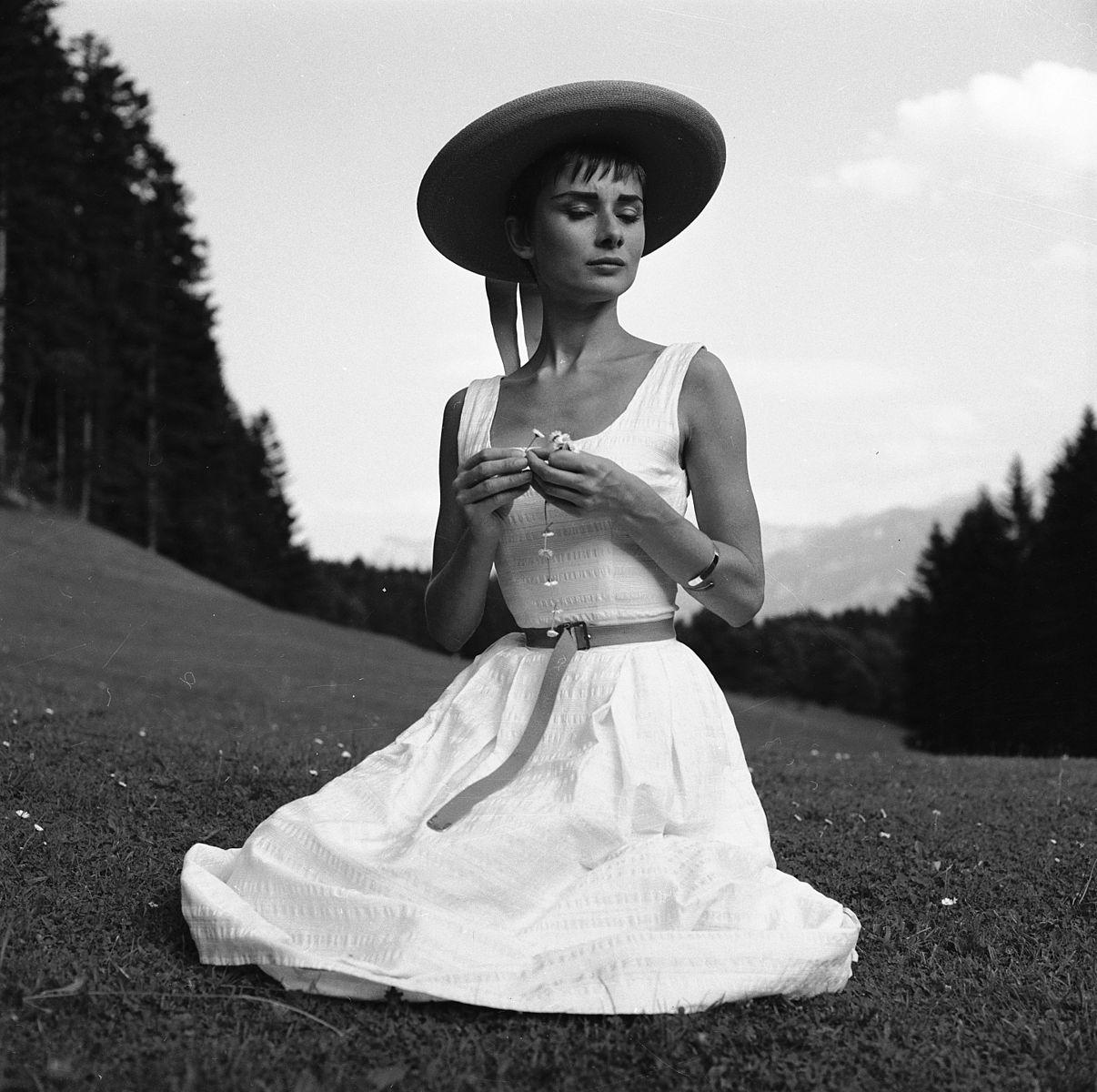 Audrey_Hepburn_auf_dem_Bürgenstock_(12).jpg