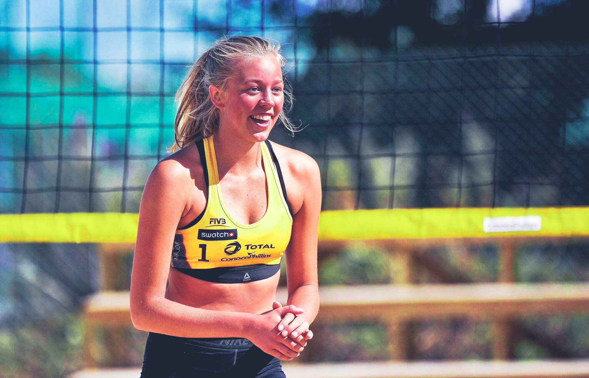 Maria Åsmul - Maria kan vise til gode resultat i volleyball- og sandvolleyballidretten og går no på Toppvolley Norge i Suldal kommune. Ho er med på U-17 landslaget både i volleyball og i sandvolleyball.Maria mottek eit ungdomsstipend på kr. 25.000,- til vidare utvikling, kostnader knytt til reise, treningssamlingar og konkurransar. Me ønskjer deg lykke til vidare!