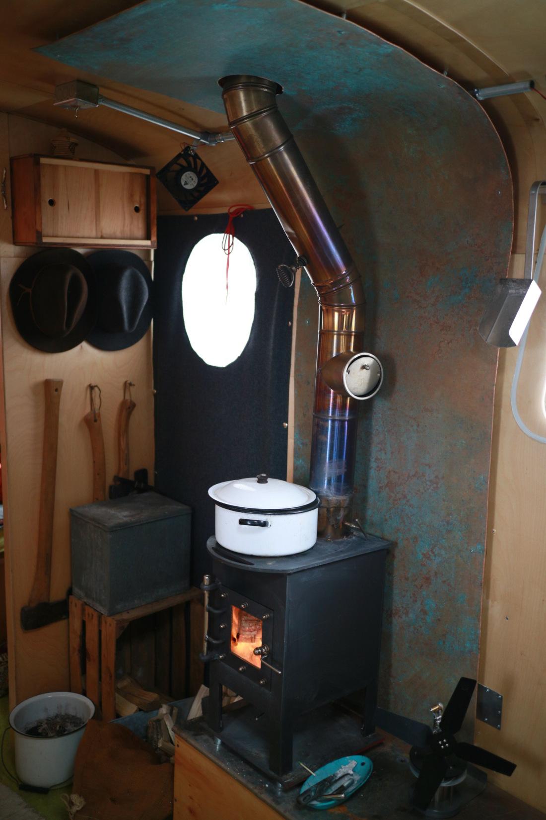 Arctic Wasp woodburner - www.stovedesign.com/arcticwasp