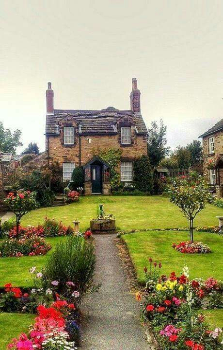 A charming cottage for spring!