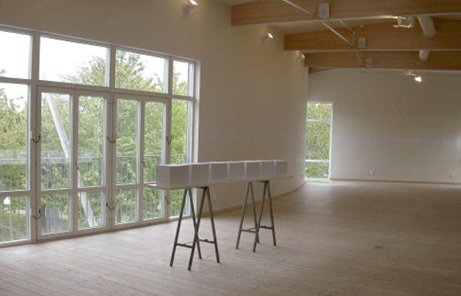 Vitehall Exhibition Breathing Project-Sarvenaz Dezvareh-Hall-Kungsbacka-Sweden-September-October 2003-2.jpg