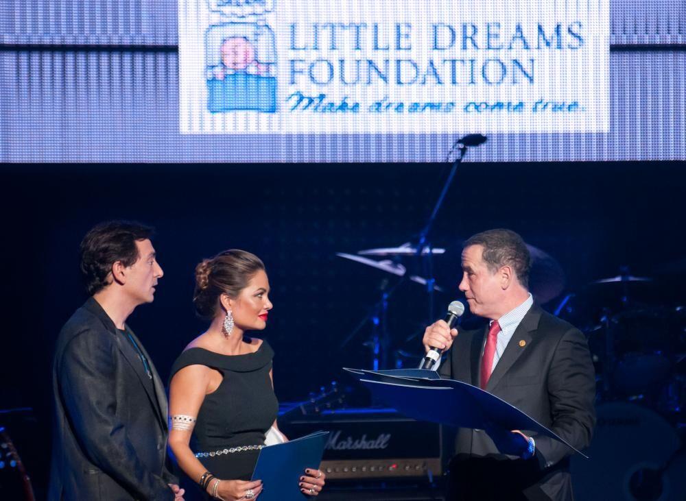 David Frangioni, Orianne Collins, and Mayor Philip Levine
