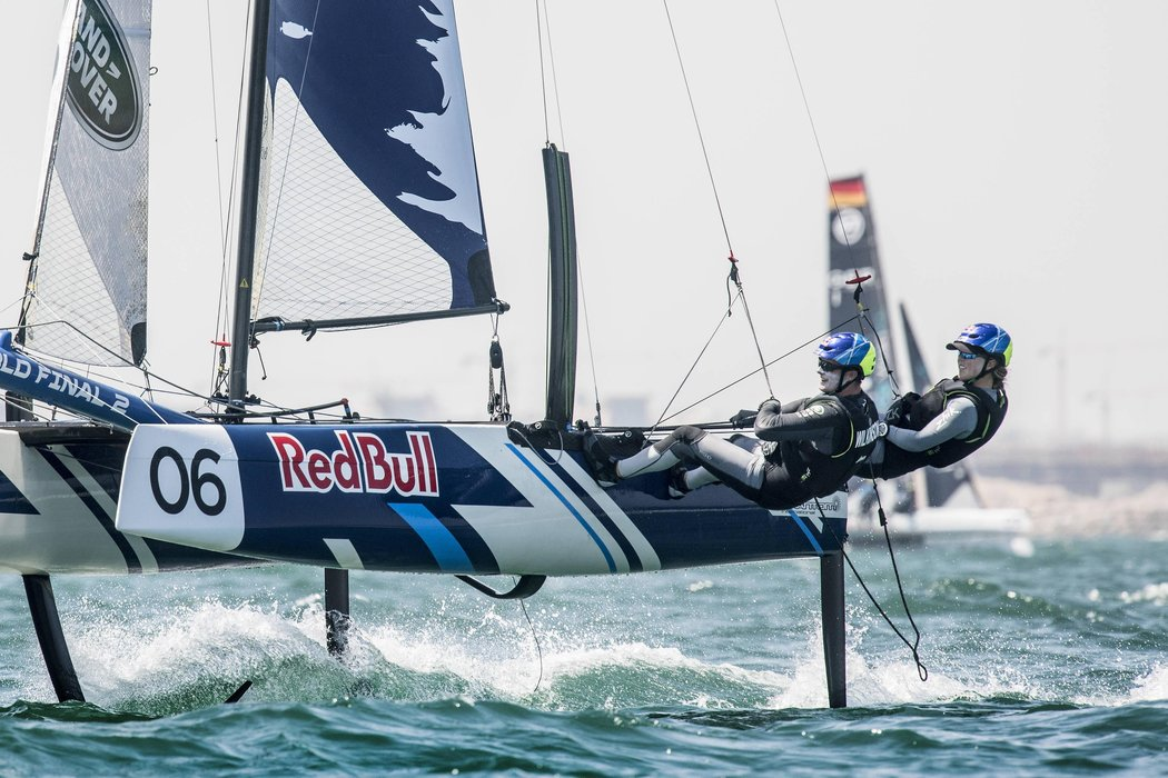 mackay-and-wilkinson-oman-extreme-sailing-series.jpg
