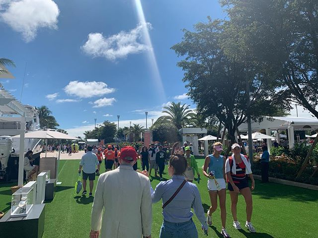 We had the pleasure to walk through the ground area at the Miami Open and also got to attend the cutting of the ribbons by @serenawilliams @rogerfederer @djokernole @naomiosaka ! We truly recommend you to pass by. This event turned out great and fits the profile of this awesome venue! #miamiopen @miamiopen #tennis #sportevents #hardrockstadium @hardrockstadium #miami