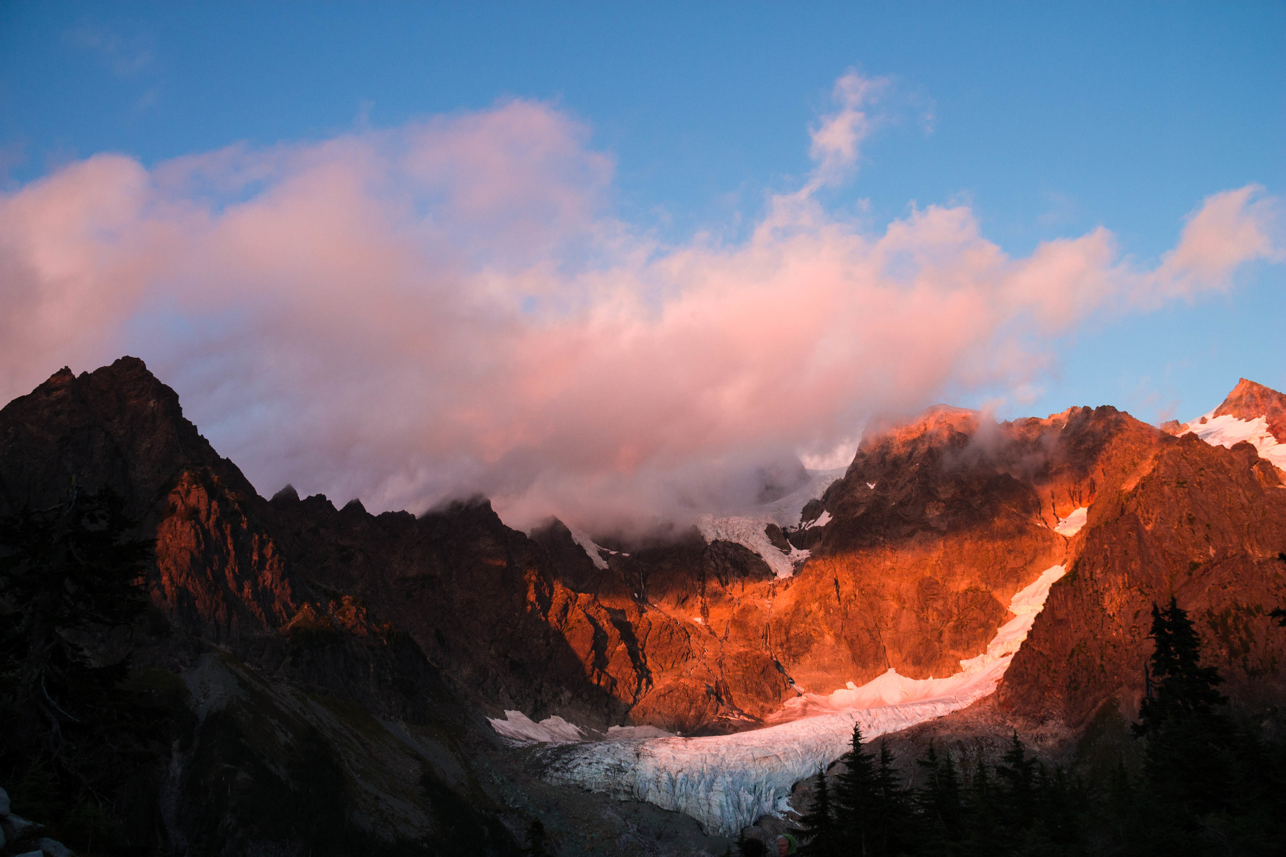 Shuksan sunset- sadly we only got one of these, since Shuksan was hidden by smoke the next day