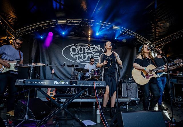 I had an absolute blast closing the Queen Tuts stage at @trnsmtfest with my band @theevesmusicuk yesterday! Great crowd and fantastic atmosphere! #trnsmt2019 #theevesmusic #livemusic #queentuts #musicfestival