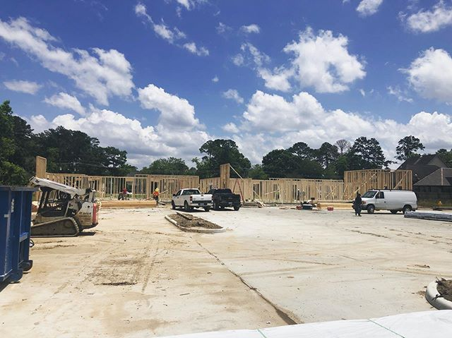 The brand new Mercantile Office Park is taking shape quickly! We have ONE more pad site available for purchase. Contact us today at (225) 302-5488 for more information!