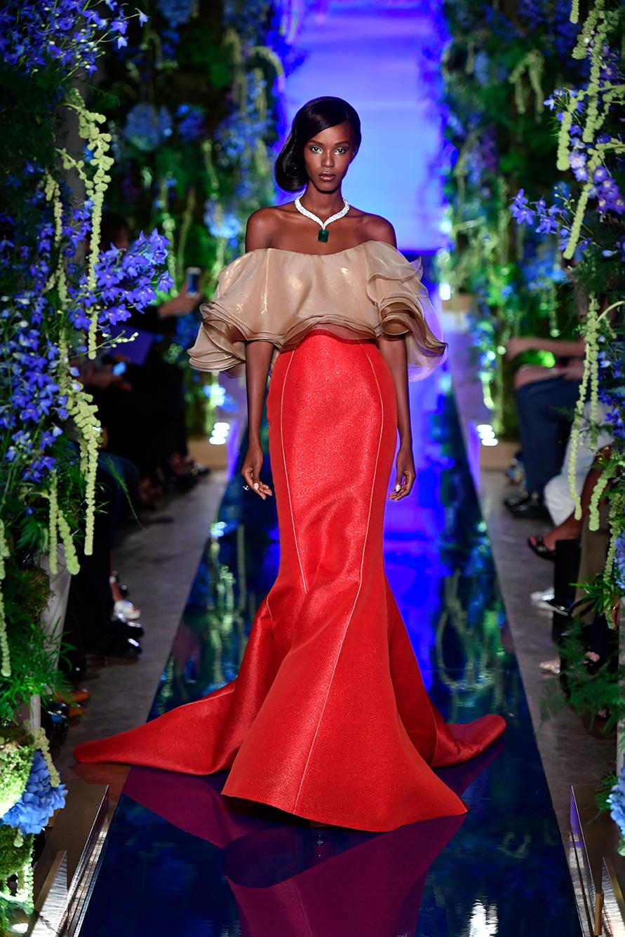 Guo-Pei-FW17-18-Couture--Look-1.jpg