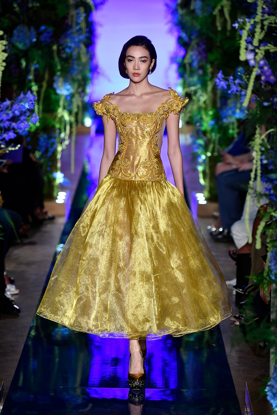 Guo-Pei-FW17-18-Couture--Look-4.jpg