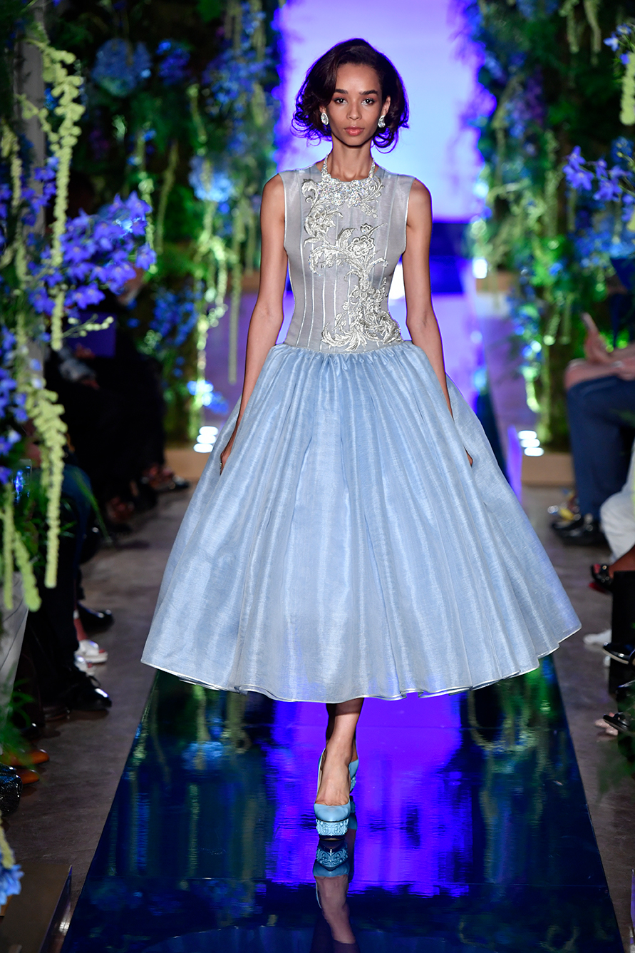 Guo-Pei-FW17-18-Couture--Look-7.jpg