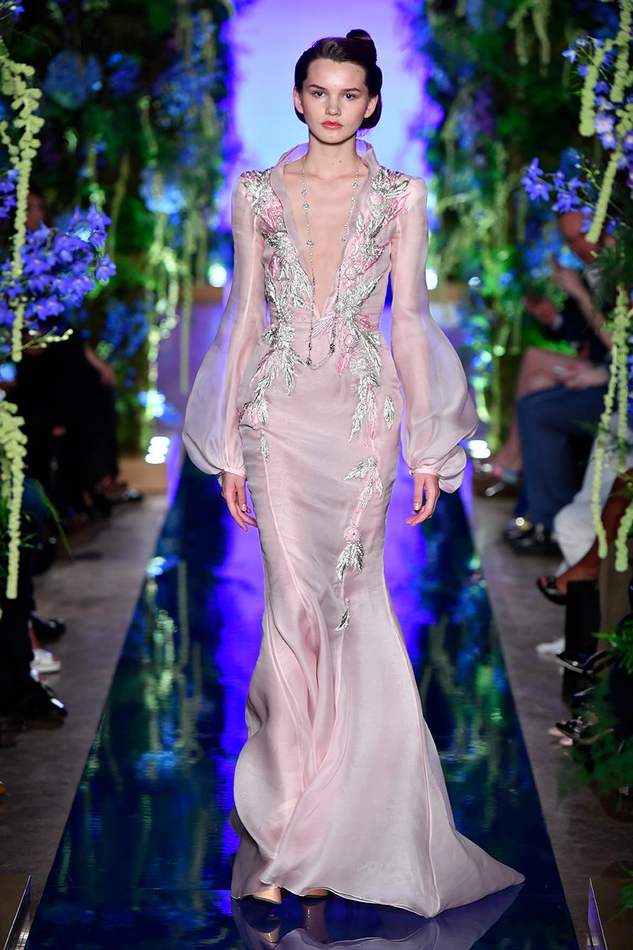 Guo-Pei-FW17-18-Couture--Look-11.jpg