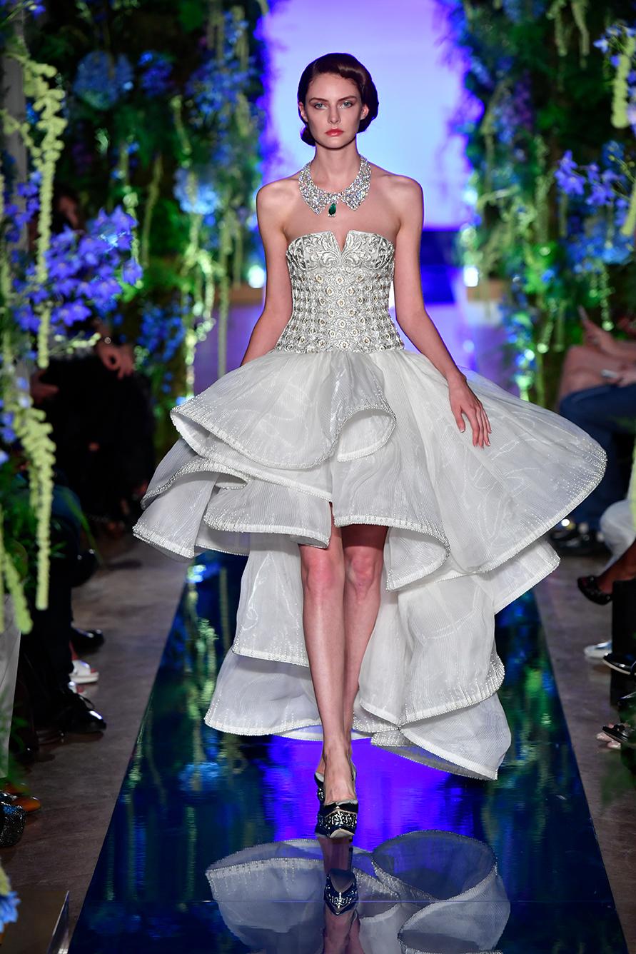 Guo-Pei-FW17-18-Couture--Look-12.jpg