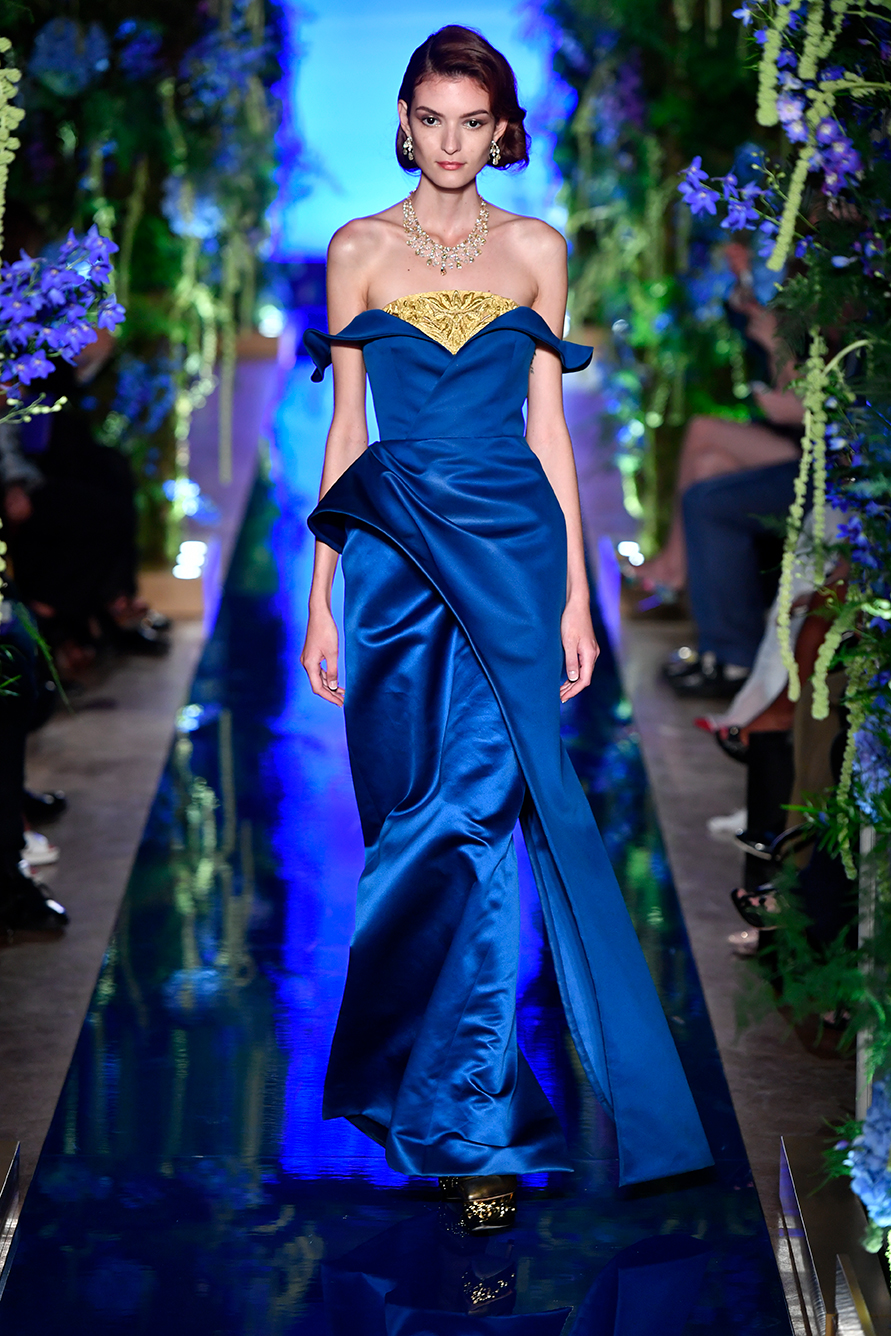 Guo-Pei-FW17-18-Couture--Look-15.jpg