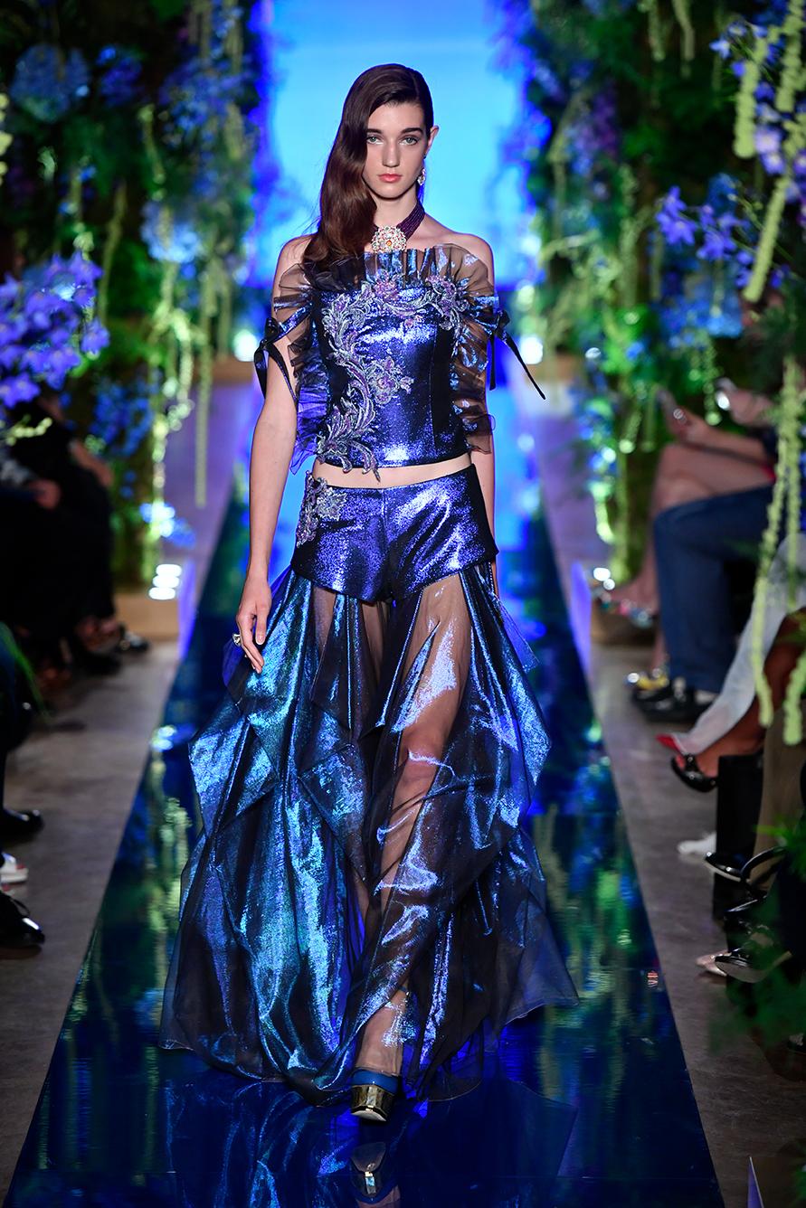 Guo-Pei-FW17-18-Couture--Look-18.jpg