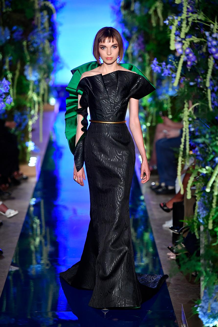 Guo-Pei-FW17-18-Couture--Look-23.jpg