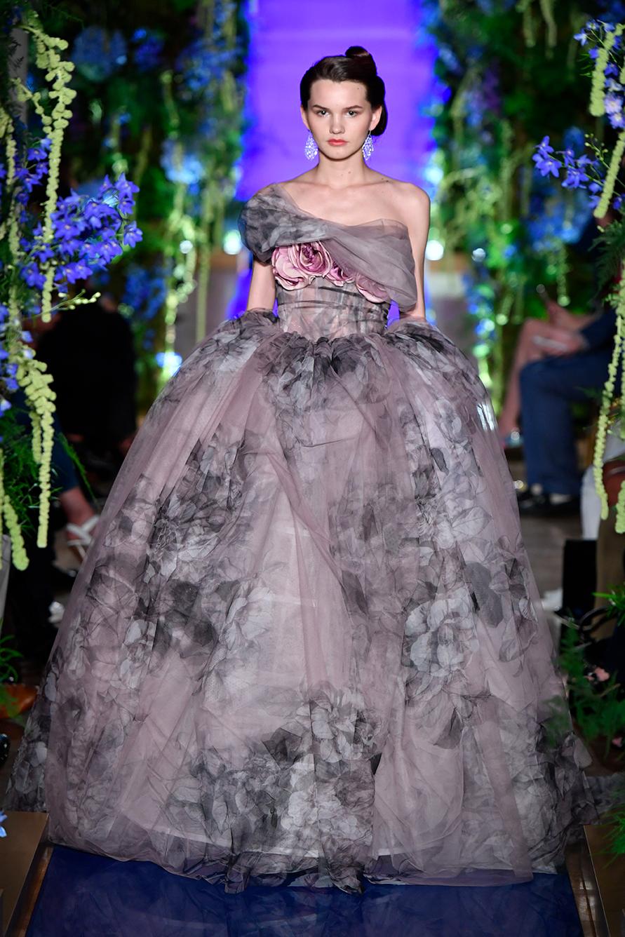 Guo-Pei-FW17-18-Couture--Look-30.jpg