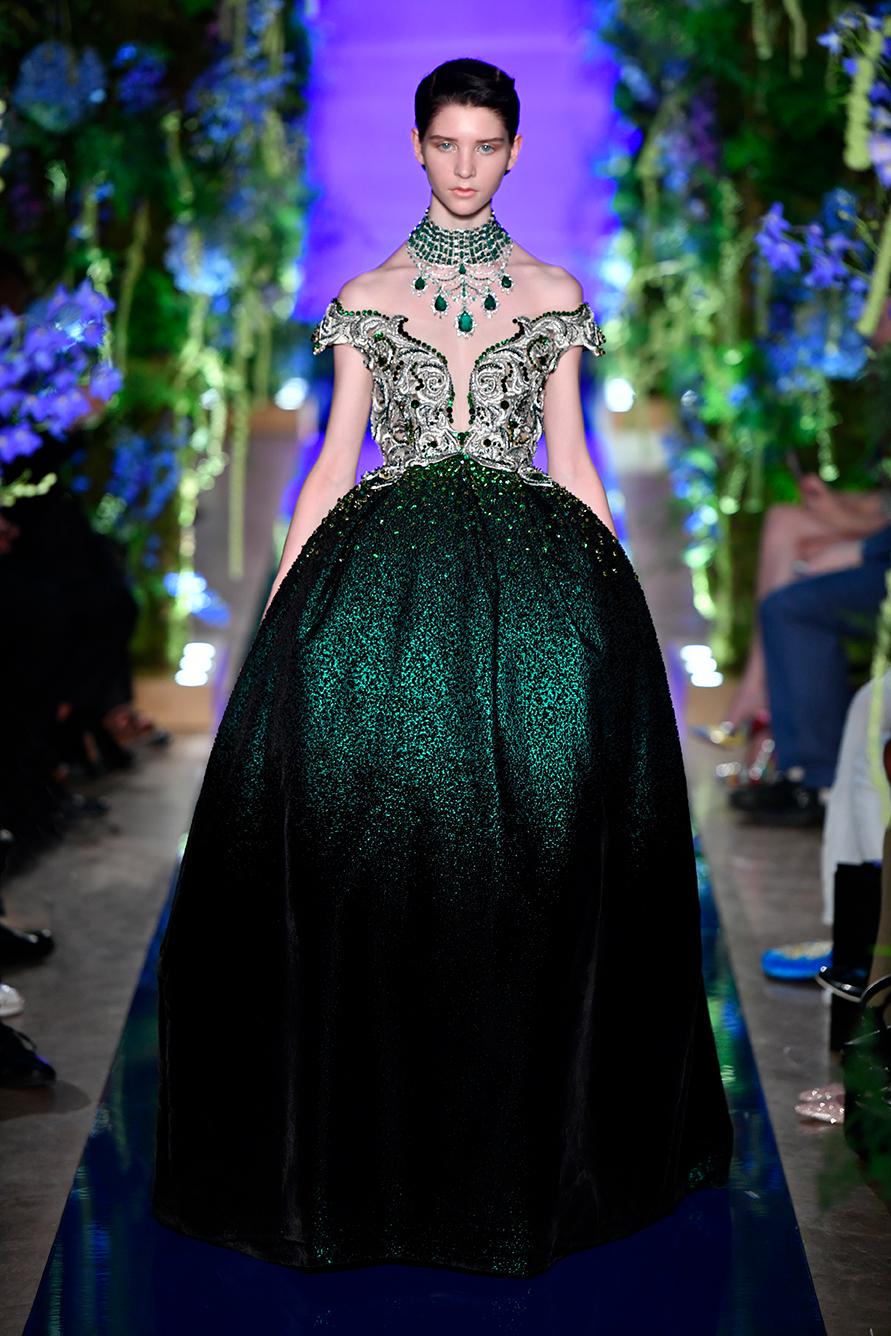 Guo-Pei-FW17-18-Couture--Look-39.jpg