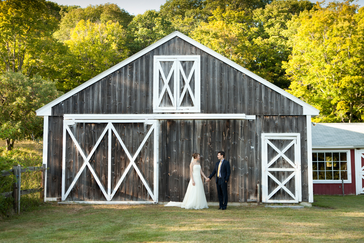 barn wedding western mass|jp langlands photography