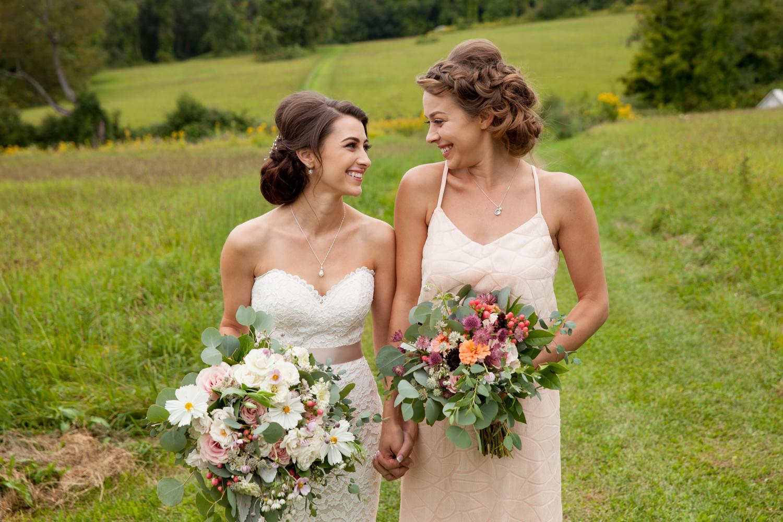 sisters at wedding inn at mount pleasant