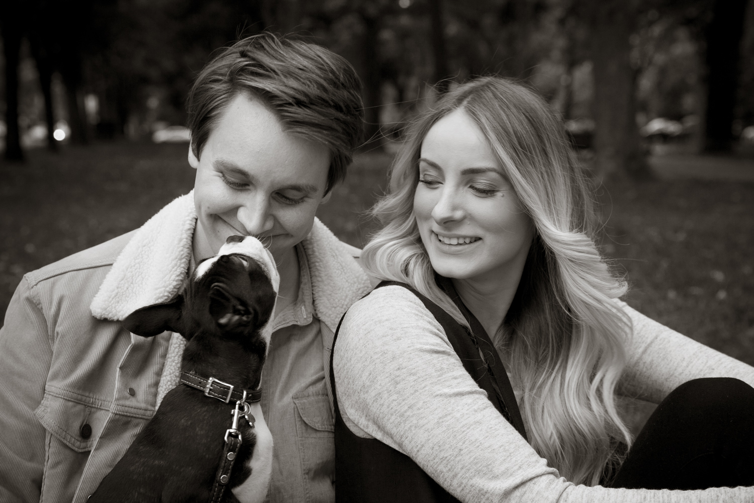 engagementsessionwithpuppy_0005.JPG