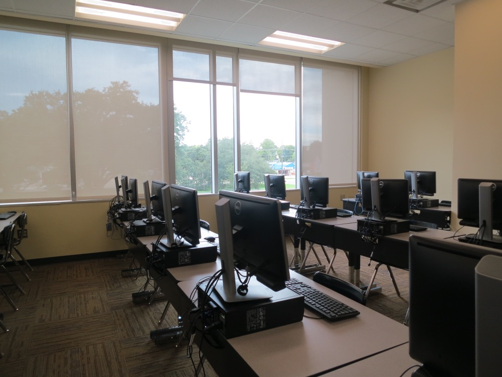 Baton Rouge High- Computer lab