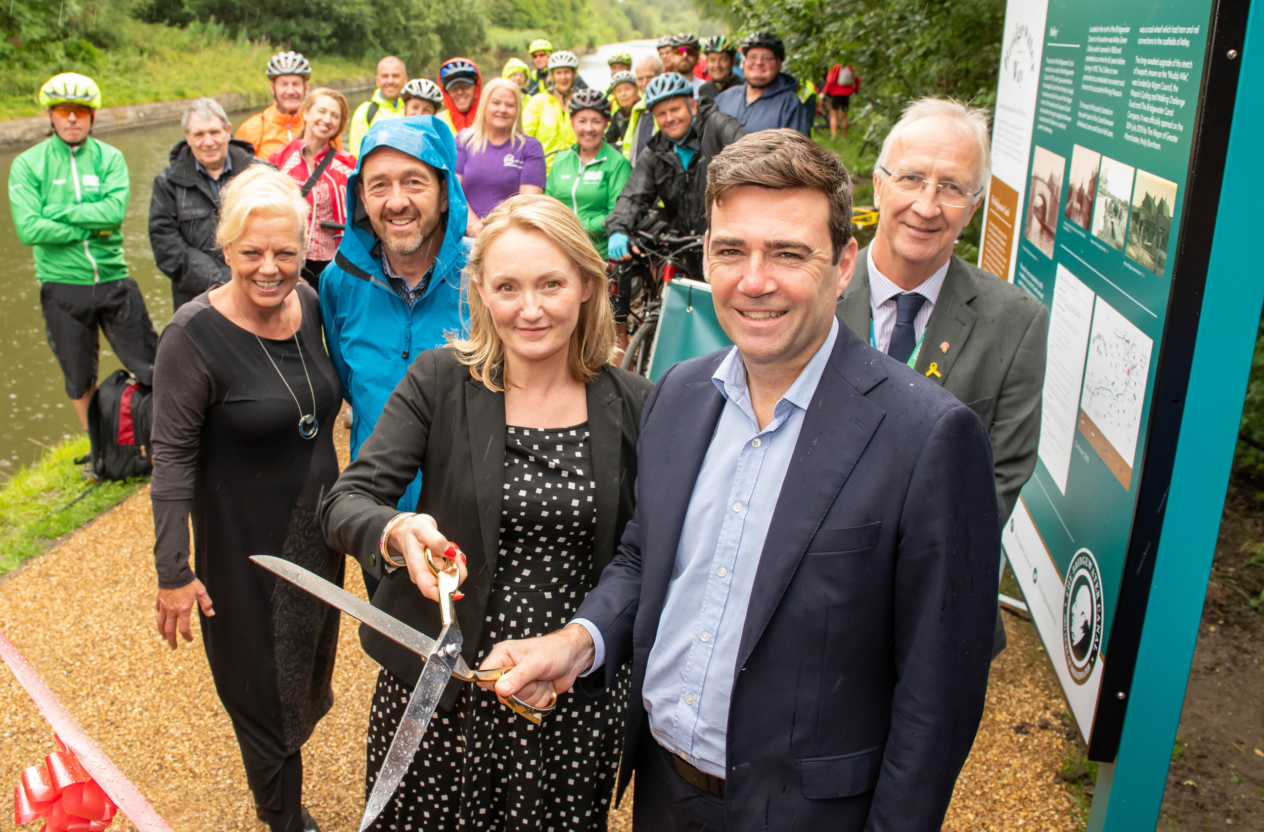 Ribbon cutting ceremony with (L-R): Louise Morrissey (Peel L&P), Chris Boardman (Cycling and Walking Commissioner), Jo Platt MP for Leigh, Andy Burnham (Greater Manchester Mayor) and Leader of Wigan Council, Cllr David Molyneux.