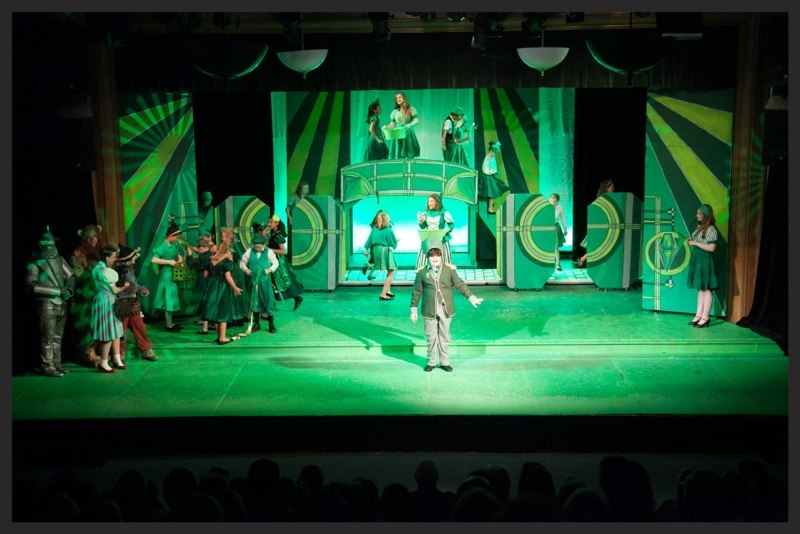 scenic design and painting - The Wizard of Oz - The Community House