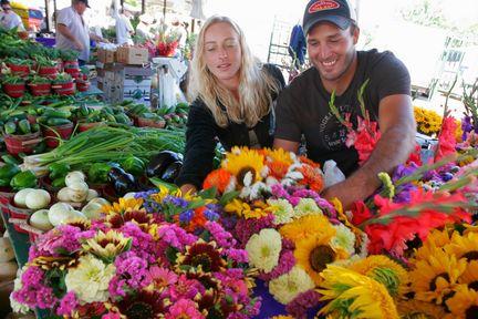 mlive_farmers-market.jpg