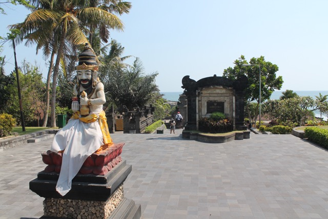 Entry to Tanah Lot Temple