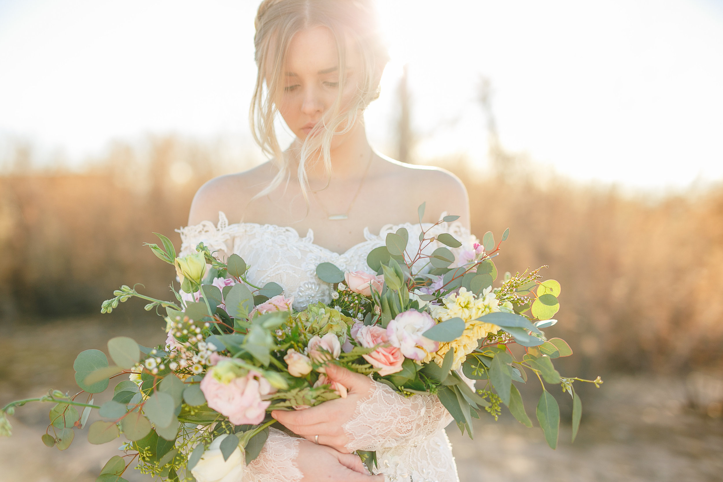 Check out one of my favorite shoots Featured on Utah Valley Bride Blog! You can find it  HERE !