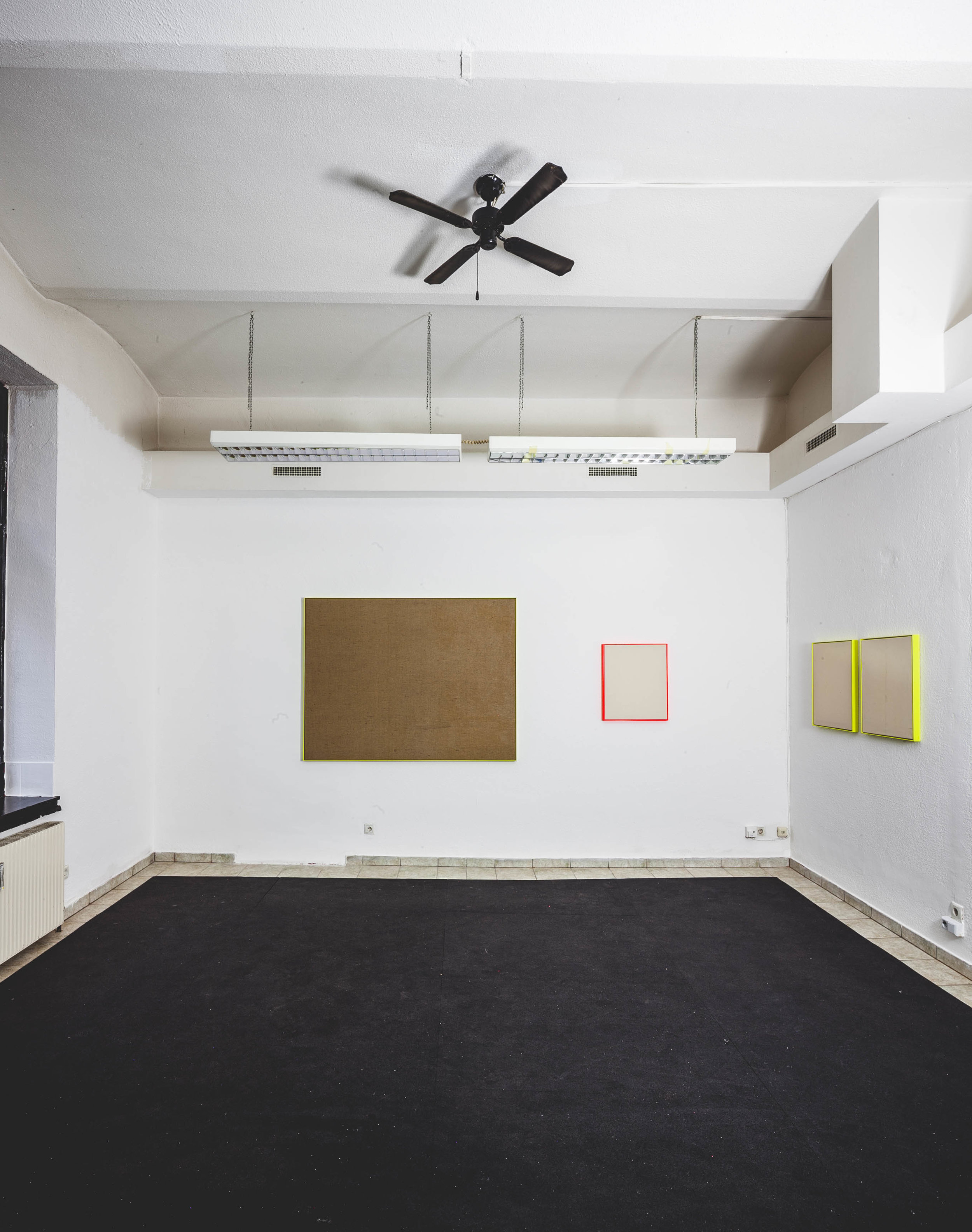 RAY // installation view  2018 // various sizes  powder coated steel and canvas  Space Properties @ Galerie Hribernig  Photo: Tristan Ruck