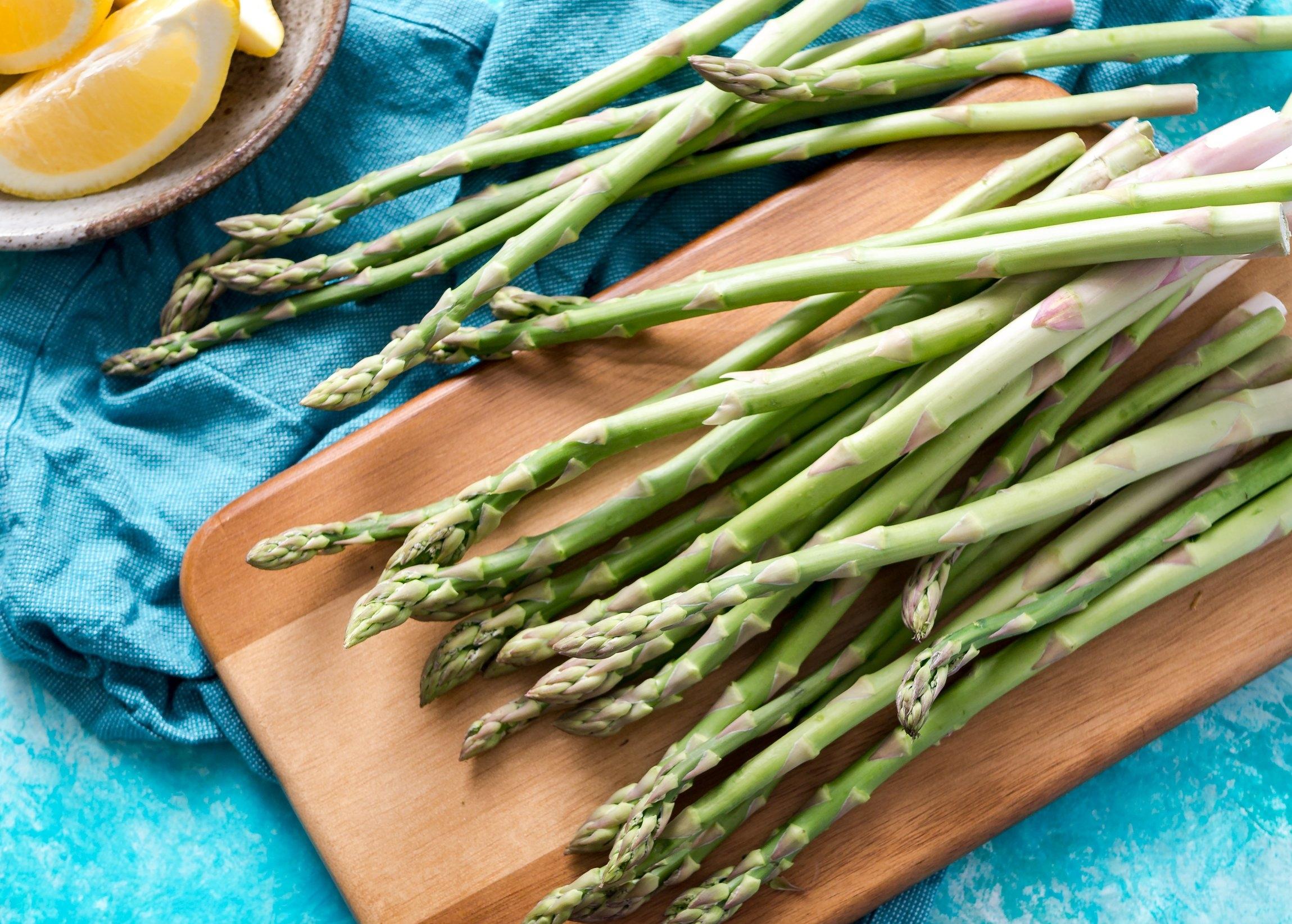 Asparagus_christine-siracusa-574215-unsplash.jpg