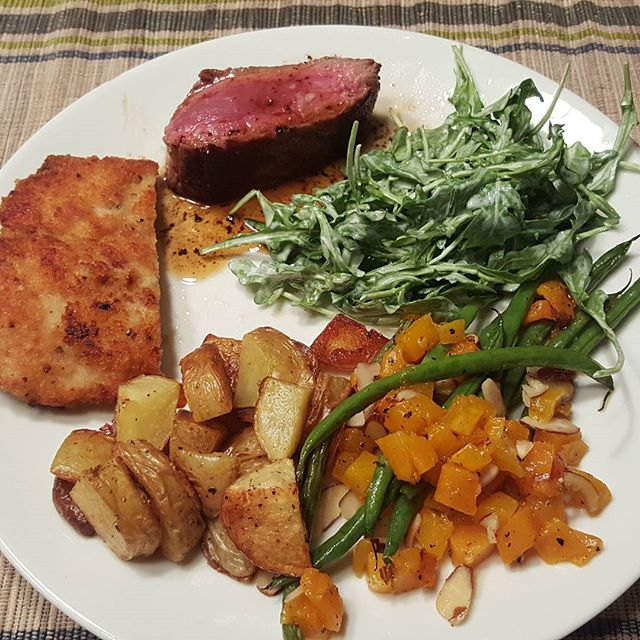 @hellofresh Mixed the pan-seared steak and the chicken milanese. #amazing