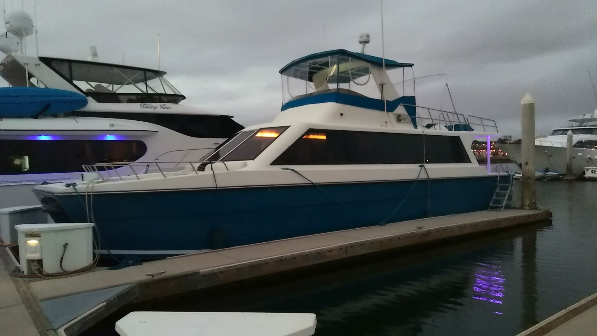 San Diego Yacht Charters, San Diego Booze Cruise, San Diego Catamaran Rental, mai tai yacht charters, san diego party boat,
