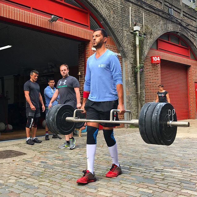 Strongman workout at @crossfitse11 this weekend 💪 . 25m farmers walk (135kg) . 400m sandbag carry (35kg) . #crossfit #strongman #crossfitse11 #strengthtraining #viking @crossfitvanheim
