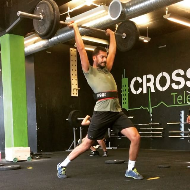 Stockholm training at @crossfittelefonplan 🇸🇪 . 10min EMOM: 1 clean, 1 front squat, 1 jerk . Then . 5 rounds of 7 reps of bear complex Rest as needed between sets . #crossfit #stockholm #sweden 🇸🇪 #training #weightlifting #fitness #barbell #cleanandjerk #bearcomplex #thecrossfitvoyage