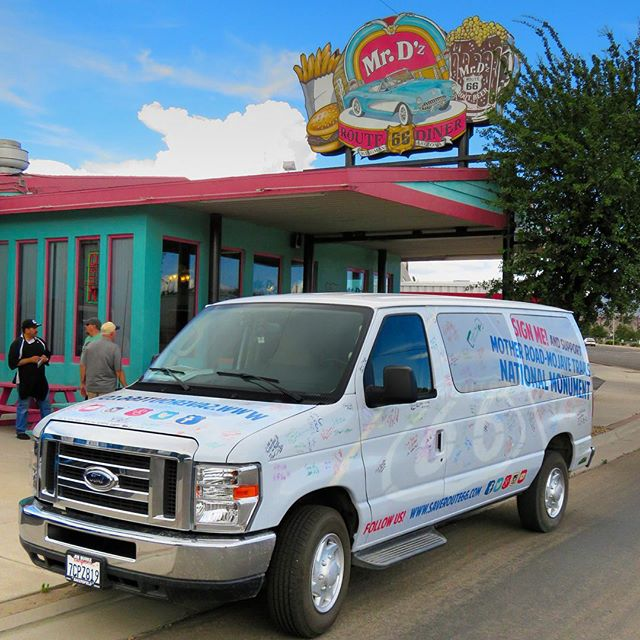 """Mr D'z! Our guide Jim Conkle once brought Oprah here, where she enjoyed """"the best root beer float ever"""". Burgers, shakes, and friendly faces. This is what Route 66 is all about. Thanks for your support! #saveroute66"""