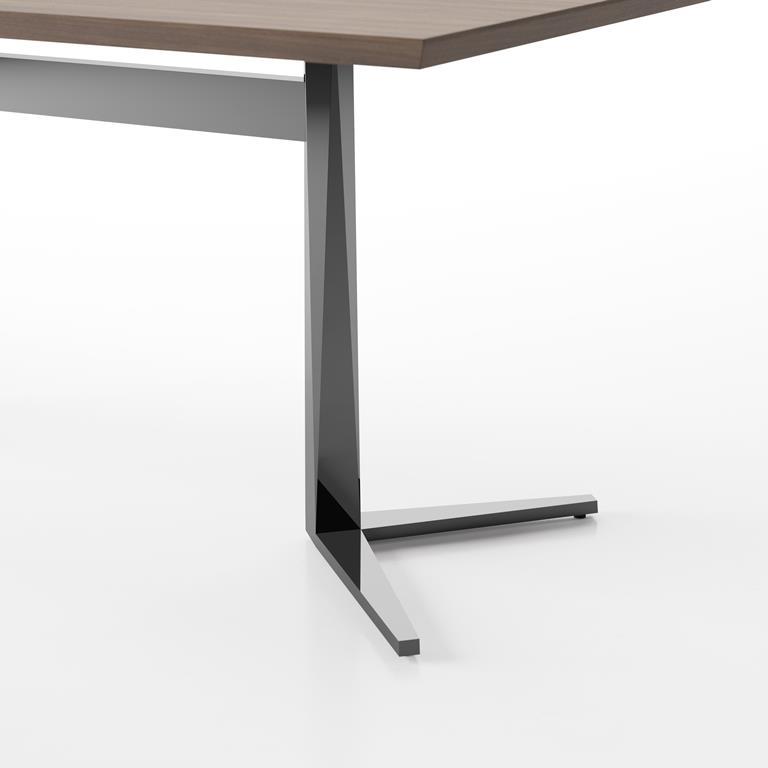 facet-desk-y-base-detail.jpg