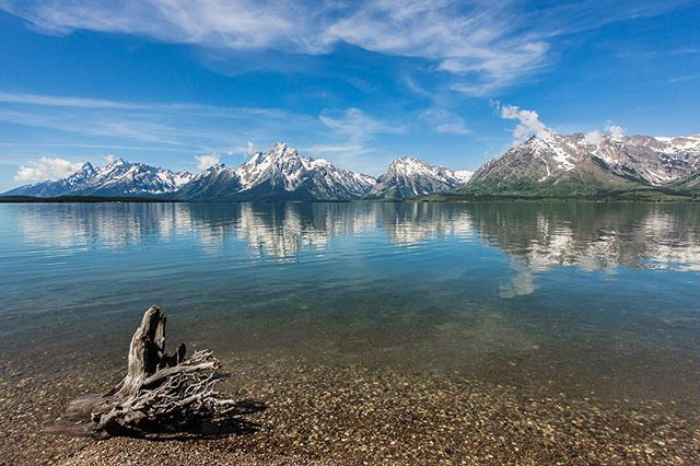 Apparently it takes a family trip to the Tetons to get this Midwest photographer shooting and sharing again 😍 . . . . . #splendid_mountains #bestmountainartists #choosemountains #worldmountains #cm_theworldaroundyou #water_captures #water_brilliance #bestshotz_water