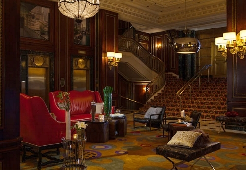 Day 1 - The trip started at the Renaissance Blackstone Hotel, located in the heart of Chicago's Magnificent Mile. The Blackstone was a destination for Chicago's rich and famous in the early 1900s. Decadently renovated, it remains a top pick to this day.