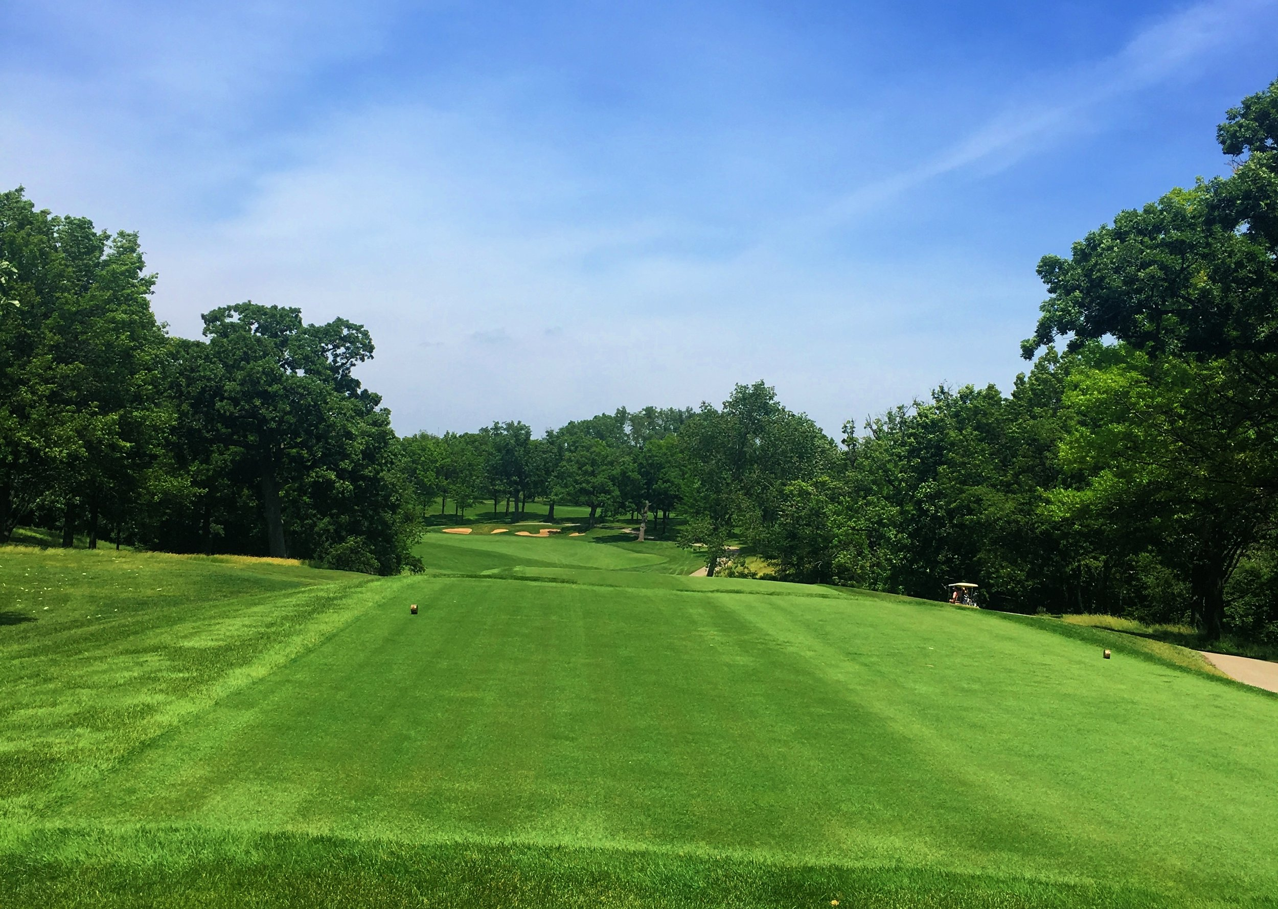 Day 2 - Our first game of golf was at the renowned Cog Hill Golf and Country Club. We played Course No 4, Dubsdread, where the PGA's BMW Championship was held from 2009 to 2011.
