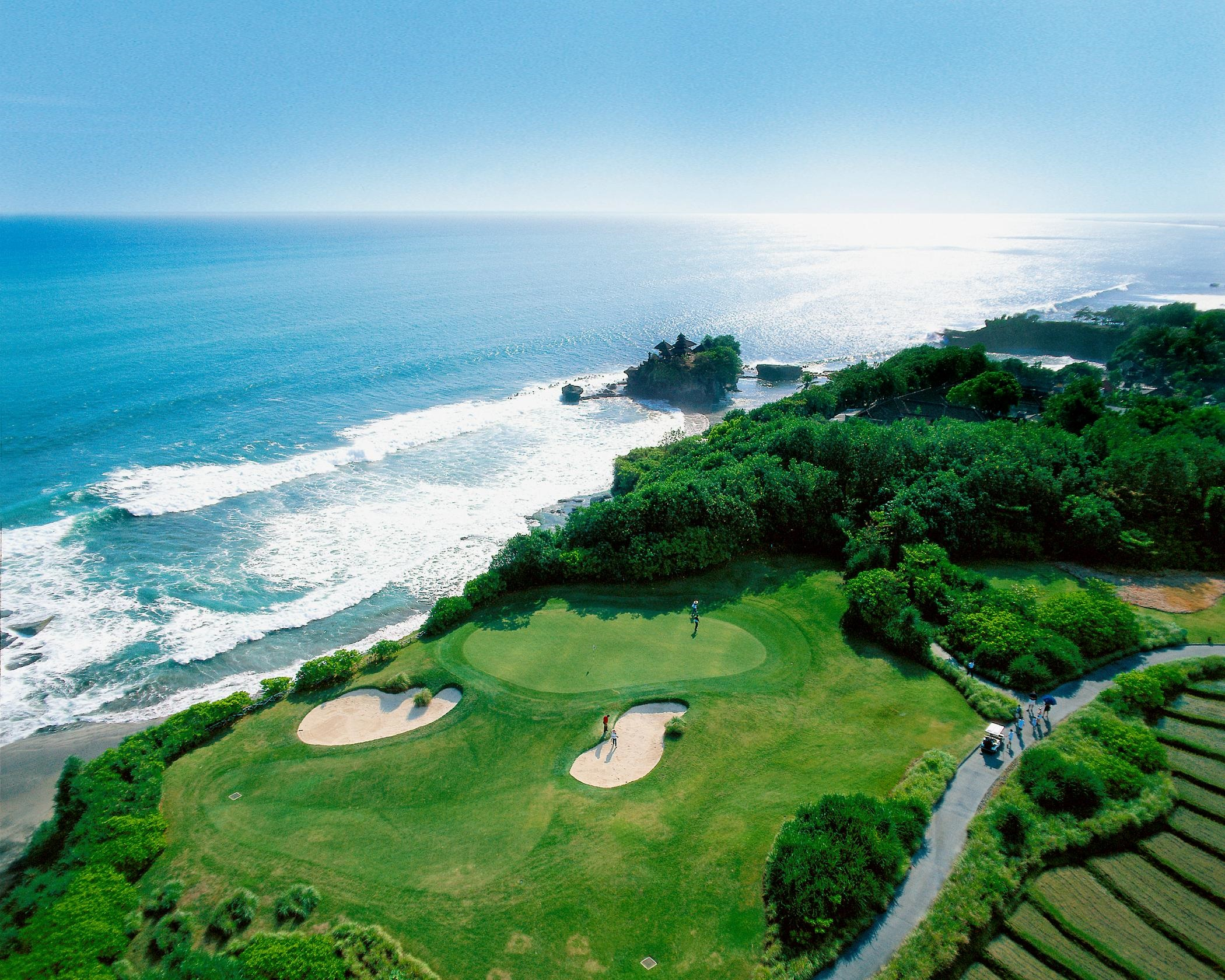 - The scores at the top of the leader board were very close, making the last round at Nirwana an exciting one.A farewell dinner on the beach at Jimbaran Bay, signalled the end of our trip.We left Bali with happy memories and new friends.