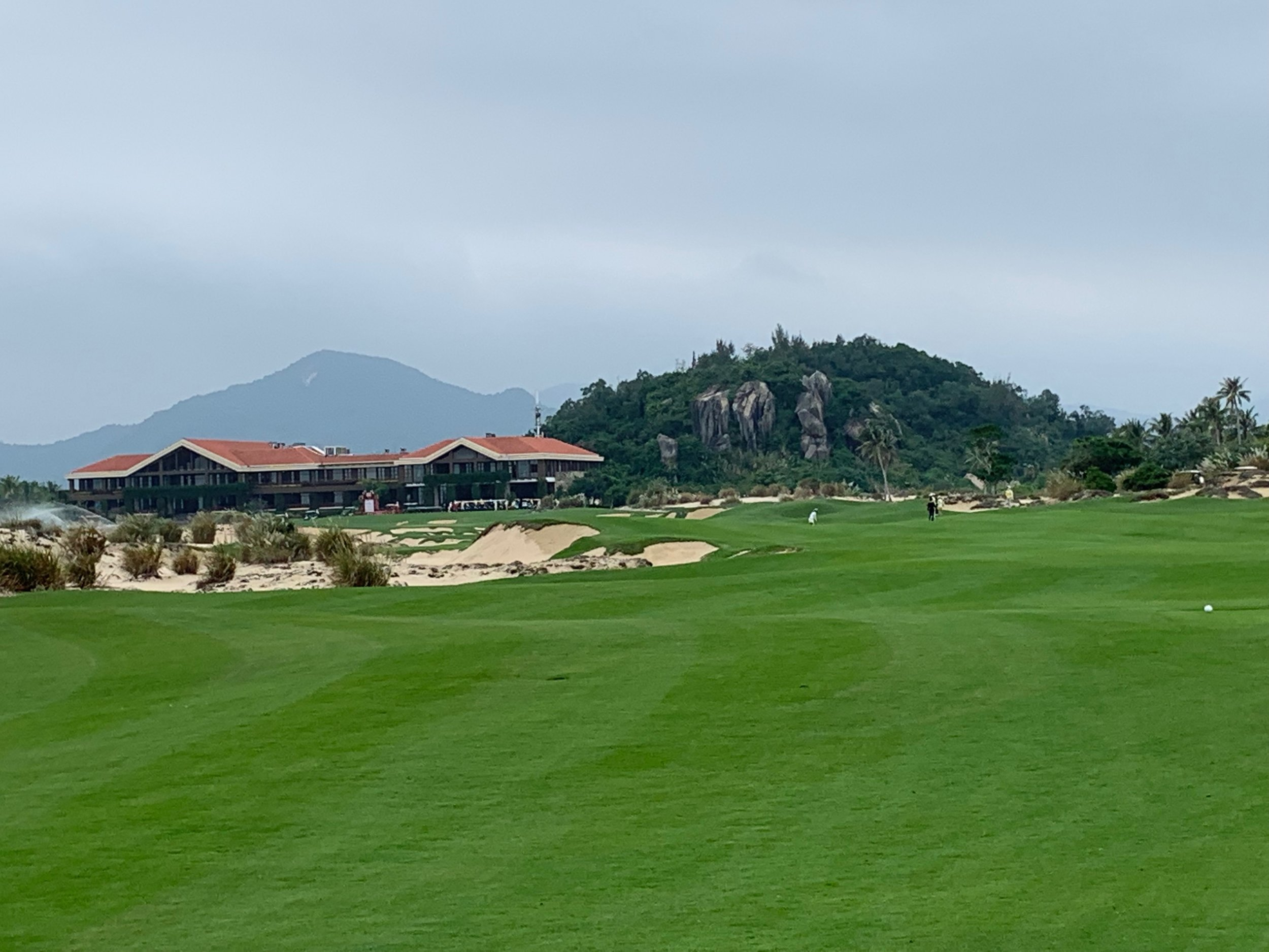 On The Tee The Dunes Shenzhou 500.JPG